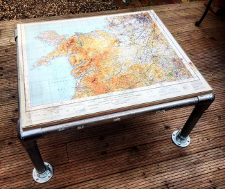 Easy DIY coffee table: Map design