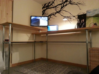 DIY Kee Klamp standing desk