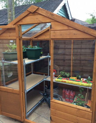 Greenhouse staging for any kind of space