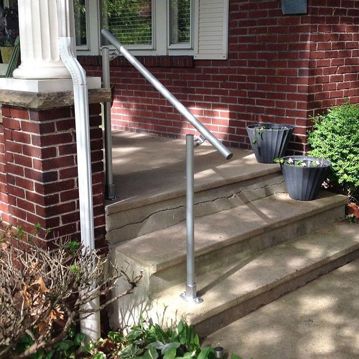 example of aluminium handrail installed on entrance steps