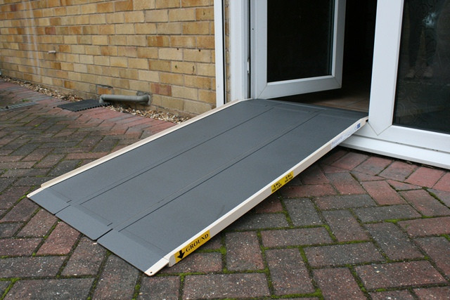 TRI - Trio Foldable Wheelchair Ramp