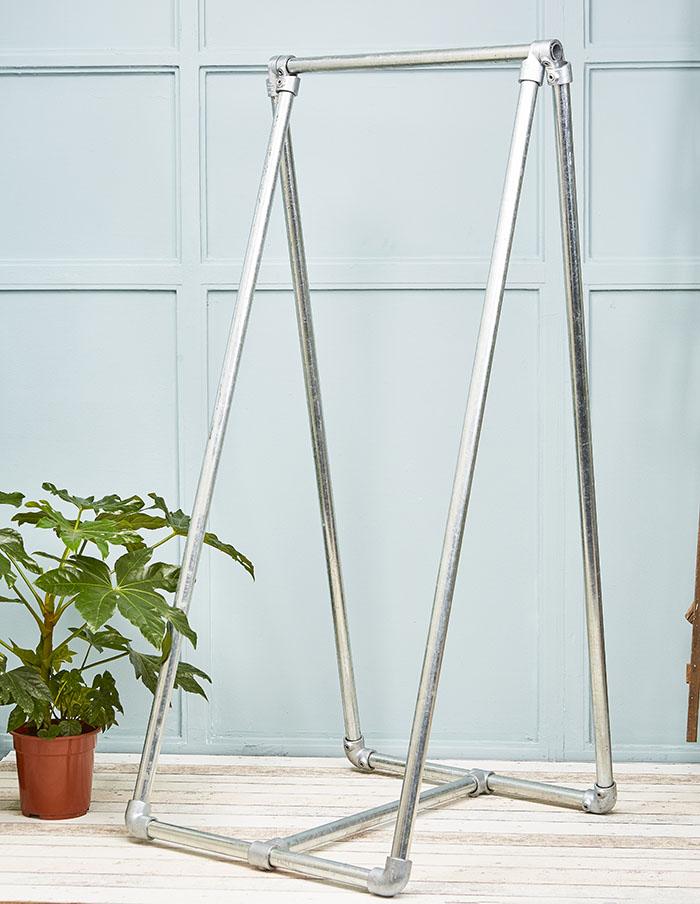 steel clothes rail