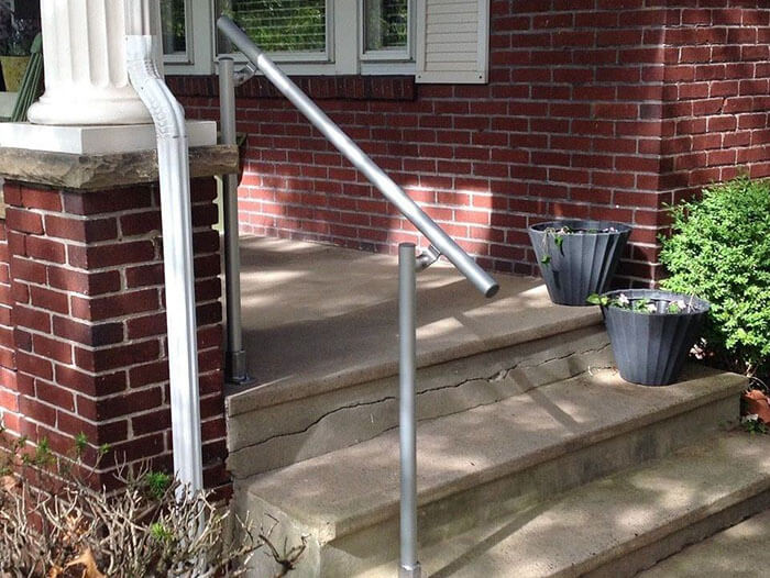 aluminium handrail for use on stairs, slopes or flat floors