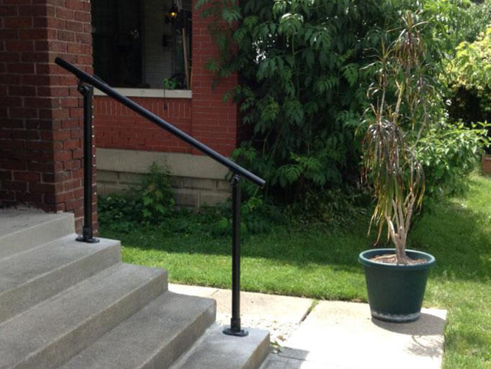 DDA compatible handrail kit for domestic use