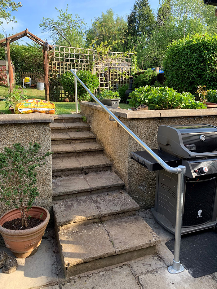 rounded ends handrail for garden access