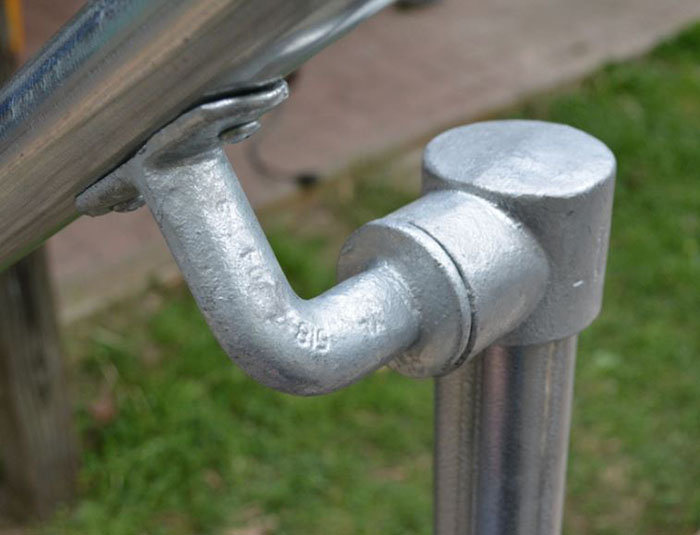 sturdy fittings and tube for handrails