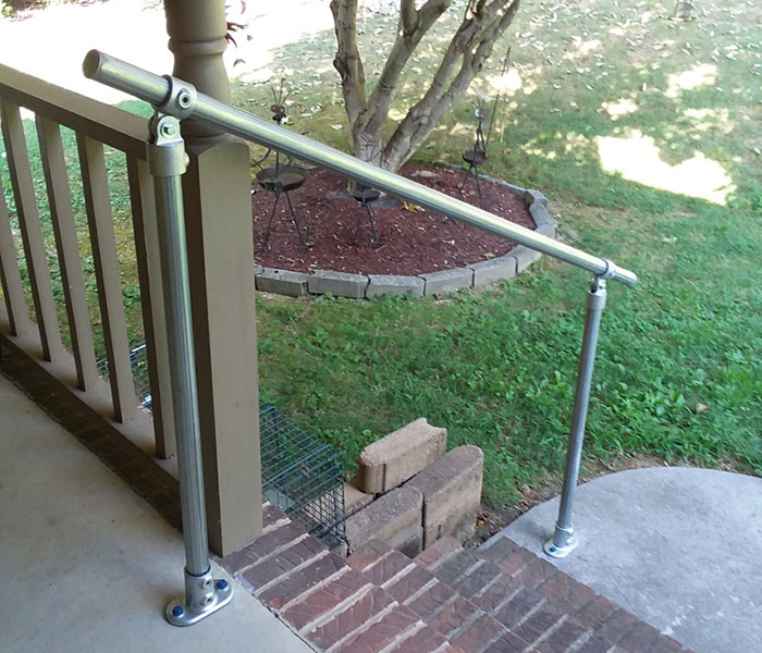 handrail kit for access to the garden