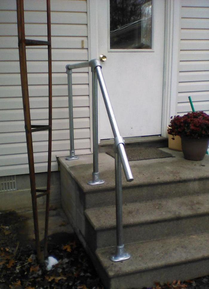 stairs to landing handrail detail