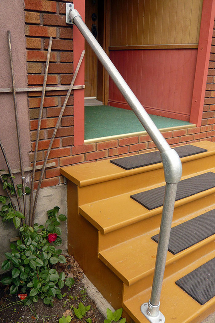 outdoor metal handrail