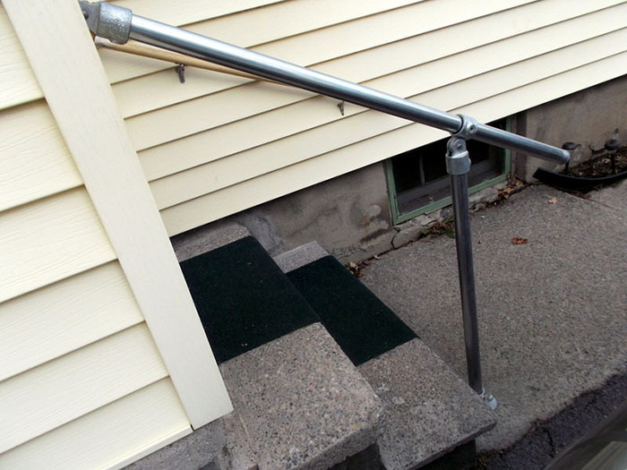 metal handrail kit for access to the garden